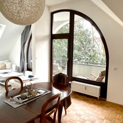 Richtig cooles Dachgeschoss | große Loggia | EBK
