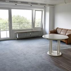 Herrlich helles Appartement   EBK   Balkon mit weitem Blick